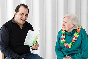 Iloa lukemisesta ja vapaaehtoistoiminnasta