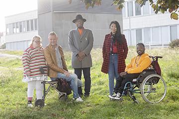 Tulevaisuutta luomassa -hanke tukee vammaisten ja maahan muuttaneiden henkilöiden selviytymistä yhteiskunnallisissa kriiseissä
