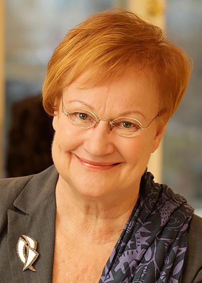 Minä luen sinulle -kampanjan suojelija presidentti Tarja Halonen.